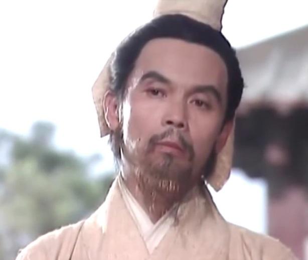 """บังทอง """"ฮองซู หรือหงส์ดรุณ"""" ปราชญ์ผู้ที่มีหน้าตาขี้ริ้วขี่เหร่ และมีบุคลิกแปลกประหลาด แต่มีสติปัญญาเป็นเลิศเทียบเท่าขงเบ้ง"""